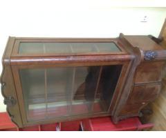 Üveges fa antik vitrin