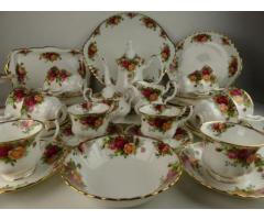 "Angol Royal Albert ""Old country roses"" porcelánok"