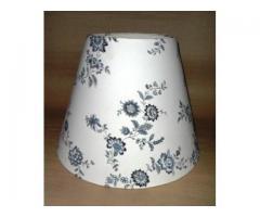 Kék virágos lámpaernyő