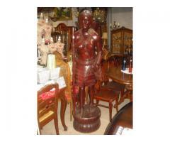 Nagyméretű mahagóni fából készült szobor