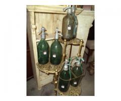 Színes szódásüvegek