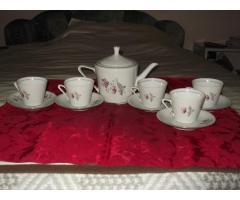 Régi porcelán teás készlet eladó