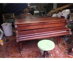 Bécsi zongora székkel