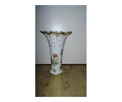 Teljesen új, különleges Herendi váza dobozában eladó
