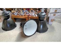 Felújított nagyméretű ipari lámpa