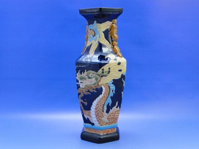 0B932 Régi nagyméretű sárkányos vietnámi váza
