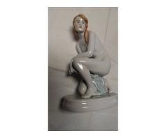 Zsolnay női szobor