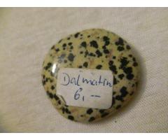 Gyógyító kövek eladók.