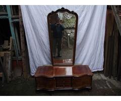Antik bieidermeier bútor eladó.