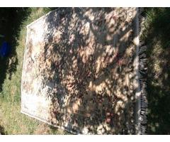 régi könnyű, vékony, nagy barna szőnyeg