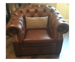 Eladó rozsdabarna Chesterfield ülőgarnitúra (3+1+1) és Captain szék féláron újszerű állapotban