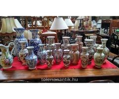 Ázsiai porcelán váza többféle kapható