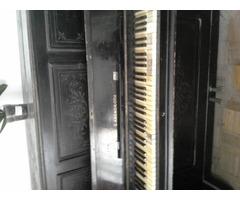 pianino eladó