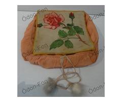 Levéltartó rózsamintával