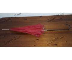 Piros esernyő