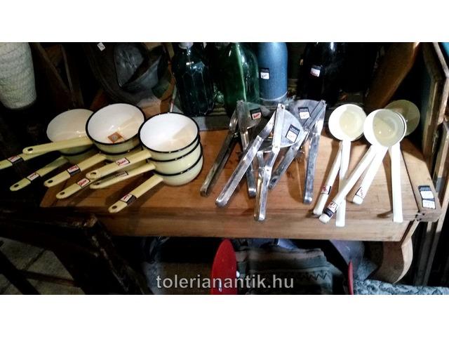 Fém konyhai eszköz többféle kapható