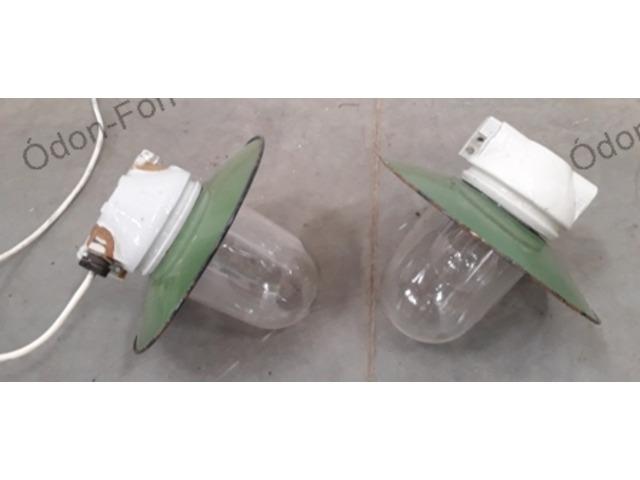 Zománcernyős lámpa üvegburával