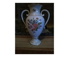 Eladó Gyönyörű 28 cm magas Hollóházi porcelán füles váza Miskolcon!