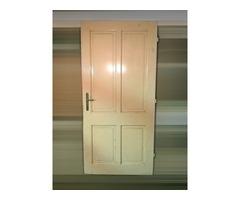Bontott ácstokos ajtó