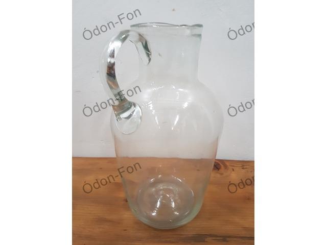 Üveg kancsó