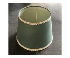 Zöld lámpaernyő aranyozott szegéllyel
