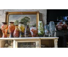 Különleges Gallé típusú rétegelt üvegváza többféle kapható