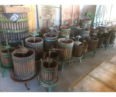 Régi borászati prés szőlőprés daráló