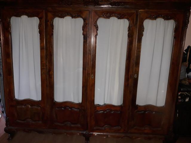 Anik vitrines szekrény