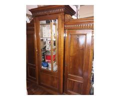 Restaurált antik szekrény