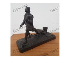 Öntöttvas szobor