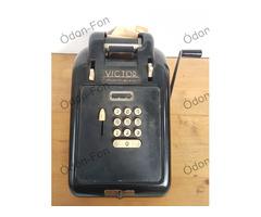 Victor szalagos számológép