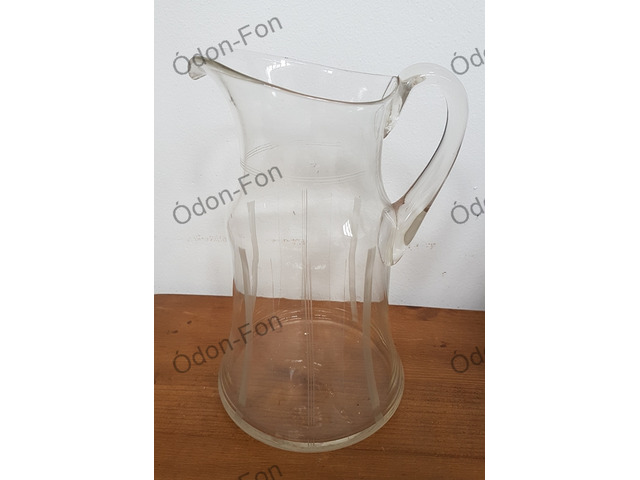 Art deco jellegű üveg kancsó
