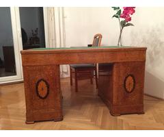 Íróasztal szép állapotban, felújítva eladó.