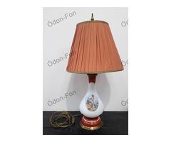 Figurális mintás asztali lámpa