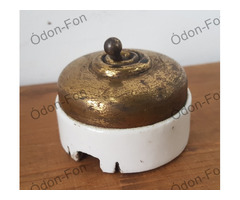 Sárgaréz kapcsoló porcelán foglalattal