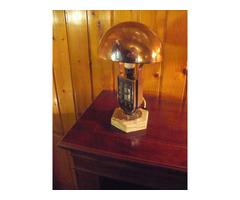 mofém aztali lámpa óra