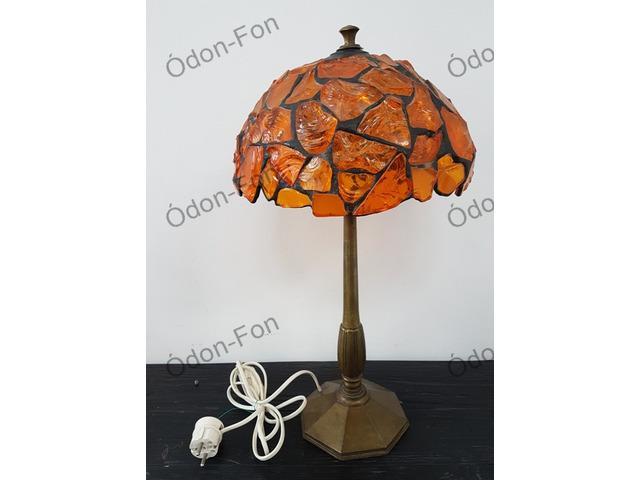 Ólomberakásos borostyán burás asztali lámpa