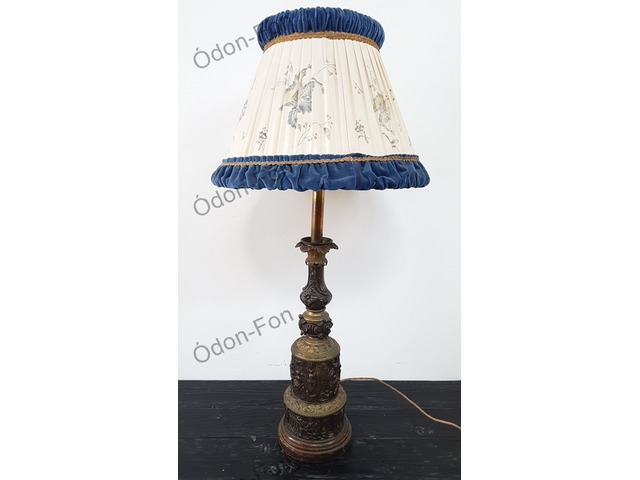 Asztali lámpa moderateur testtel