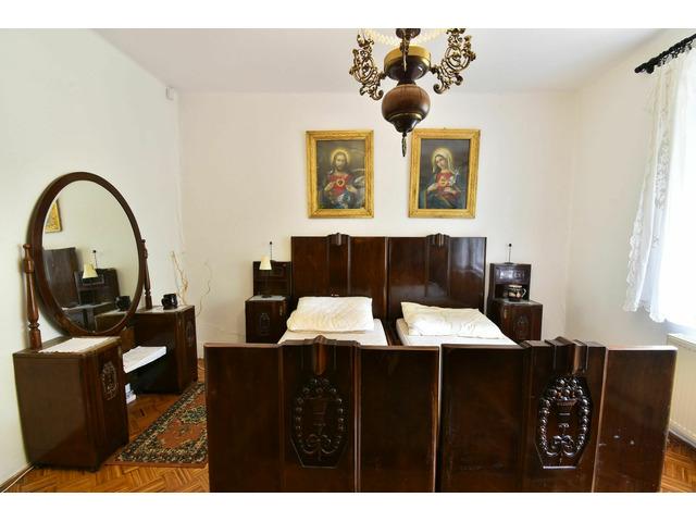 Antik bútor, spanyol reneszánsz II. kerület AntikPiac.hu