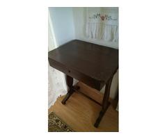 Biedermeier varróasztal, lerakó asztal tömörfából.