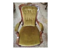 Antik gurulós fotel.