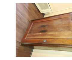 Javításra szoruló Biedermeier szekrény