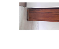 Eladó antik szekrény