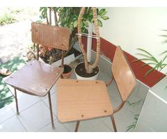 Régi retro fém csővázas kerti szék, kert bútor