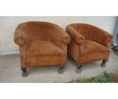 Két darab berzsié fotel párban.