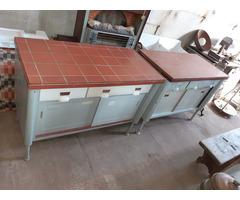 Régi retro laboratóriumi asztal