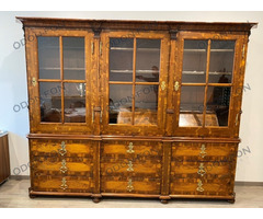 Barokk könyves szekrény