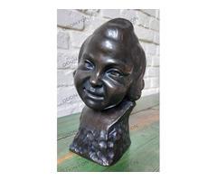 Szecessziós kislányfej szobor