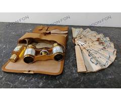 Színházi kis táska legyezővel, parfümmel, ceruzával, látcsővel