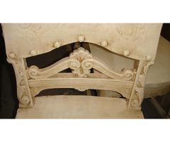 Négy darab antikolt felújított szék.